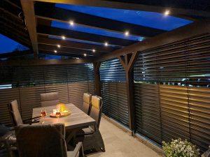 kreativ-holzbau-terrasse-mit-verkleidung
